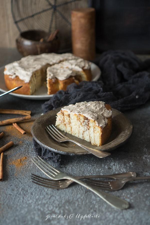 Ganz einfach mit Quark-Ölteig: Weltbester Zimtschnecken-Kuchen - Rosenkuchen mit Zimt