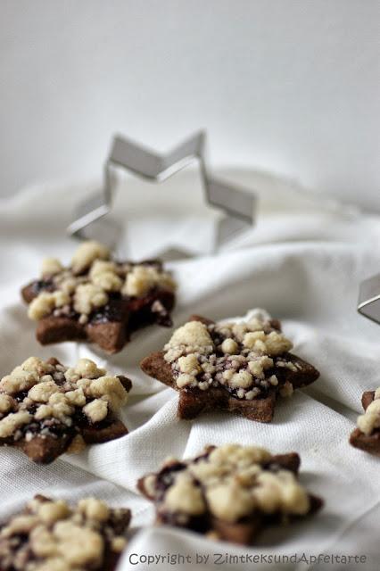 Streuselsternchen - Schokoladenkekse mit Streuseln und Marmelade