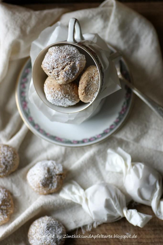 Weihnachtliche Amaretti - perfekt gebacken - innen soft und außen knusprig