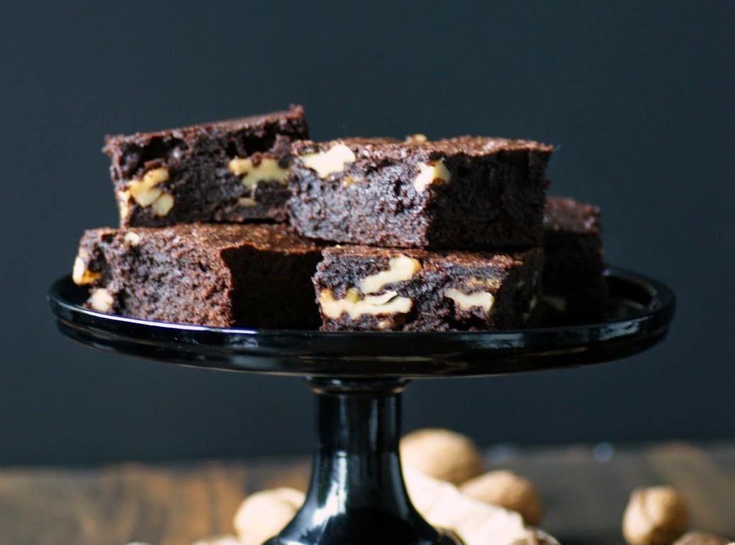 best brownies ever mit waln ssen einfaches rezept. Black Bedroom Furniture Sets. Home Design Ideas