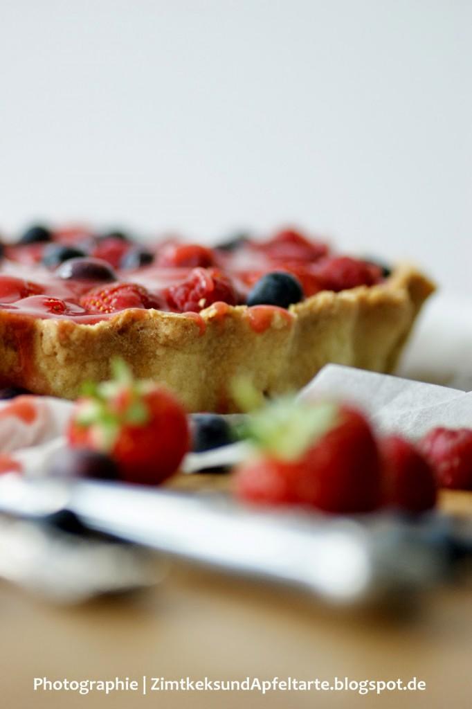 einfach und schnell Beeren-Tarte mit Mascarpone-Frischkäse-Creme