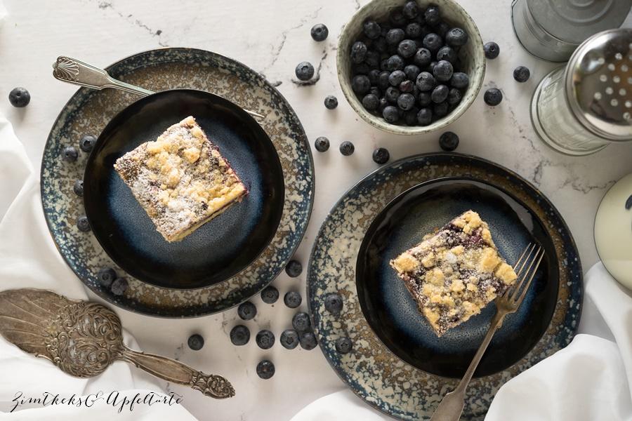 Blaubeer-Schmand-Zitronenkuchen mit Streuseln