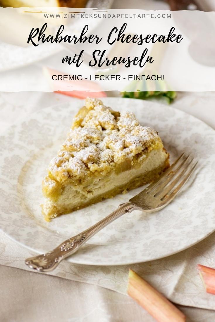 Rhabarber-Cheesecake mit Streuseln - ganz einfaches Rezept für einen super cremigen und fruchtigen Cheesecake mit dicken Streuseln. Geht flott, da Boden und Streusel aus einem Teig bestehen! Schnell gemacht und wahnsinnig lecker! Für Rhabarber- und Cheesecake-Fans der absolute Must-have-Kuchen. #Frühling #Rhabarber #Cheesecake #streusel #einfach #backen #Rezept