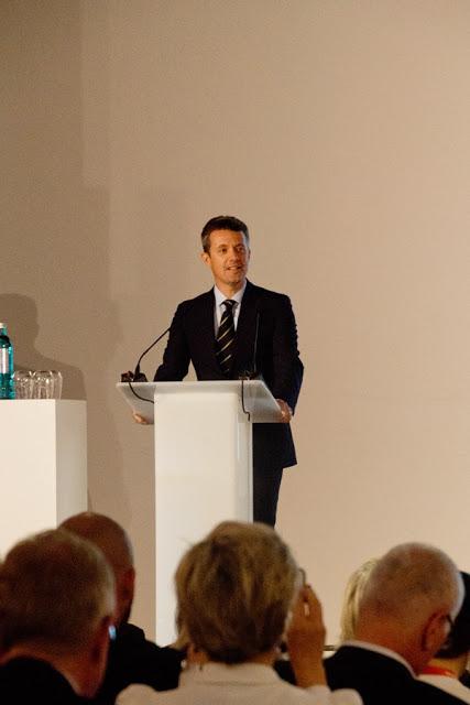IKH Kronprinz Frederick bei seiner Rede