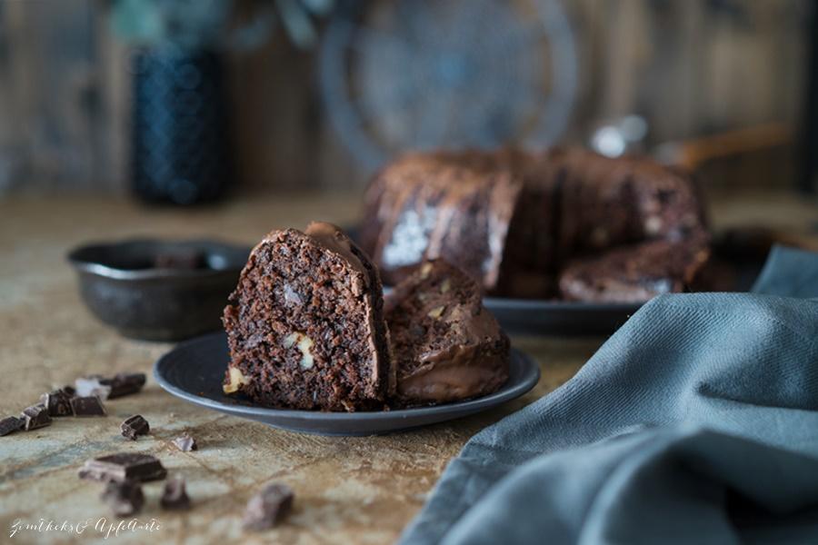 Gelingsicheres Rezept für Schokoladenkuchen mit Zucchini und Walnuss