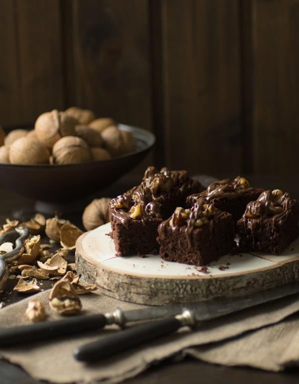 leckere und saftige brownies mit karamellisierten waln ssen. Black Bedroom Furniture Sets. Home Design Ideas