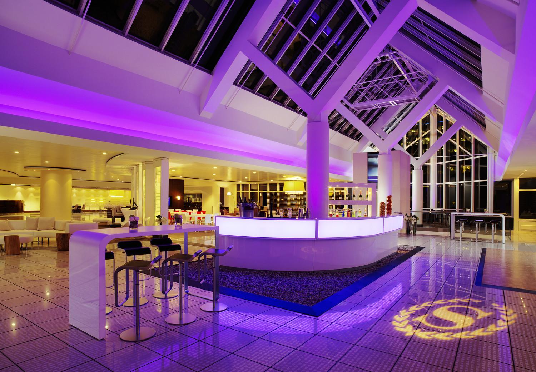 she363lo-184320-Hotel Lobby