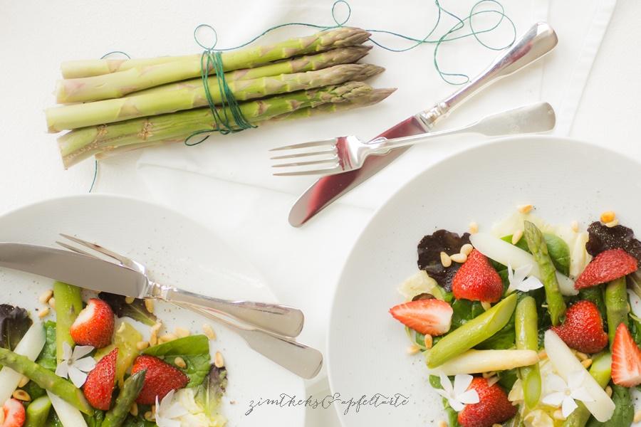 spargel erdbeer salat mit pinienkernen zimtkeks und apfeltarte. Black Bedroom Furniture Sets. Home Design Ideas