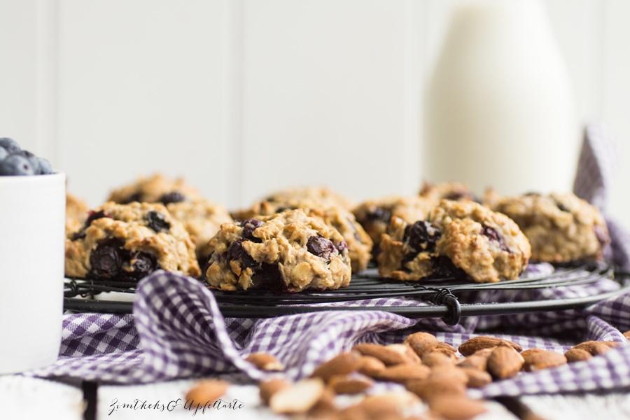 Gesunde Frühstücks-Cookies mit Blaubeeren - super einfaches und schnelle Rezept