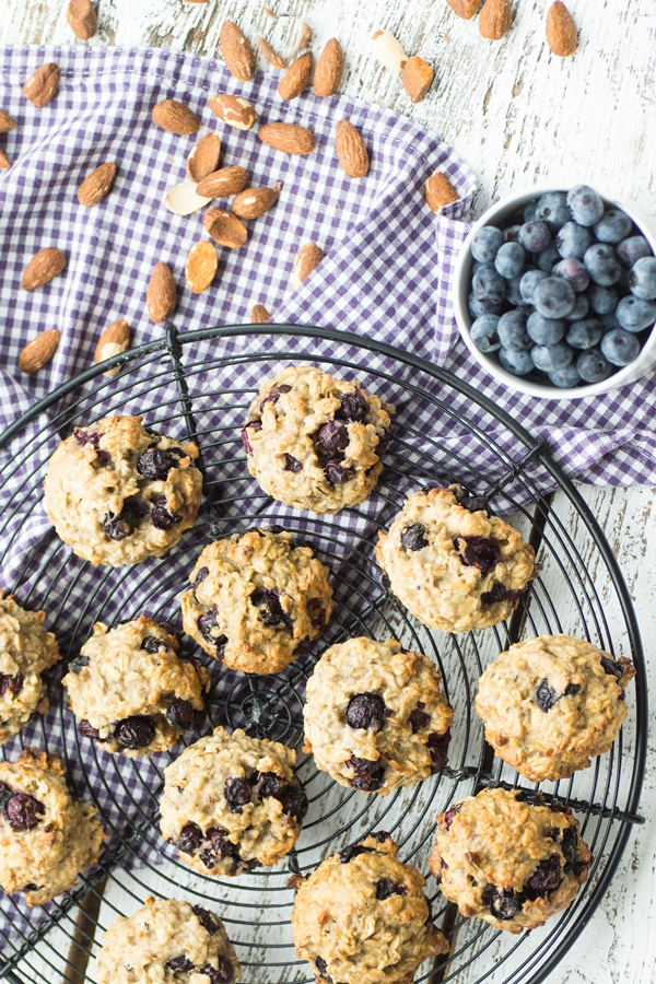 Gesunde Frühstücks-Cookies mit Blaubeeren - einfaches kristallzuckerfreies Rezept
