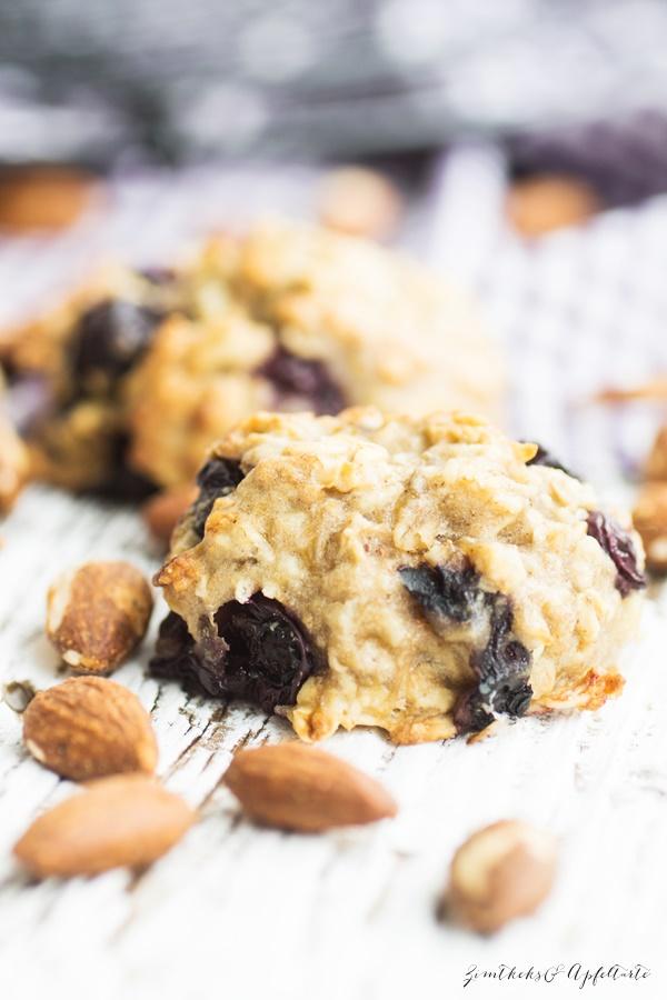 Gesunde Frühstücks-Cookies mit Blaubeeren - lecker, zuckerfrei und schnell gebacken