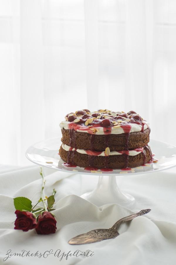 Naked-Cake im Schwarzwälder-Kirsch-Style - einfaches Rezept von ZimtkeksundApfeltarte.com