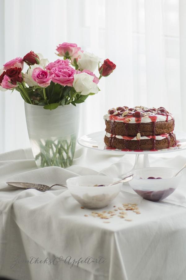 Naked-Cake im Schwarzwälder-Kirsch-Style - ZimtkeksundApfeltarte.com