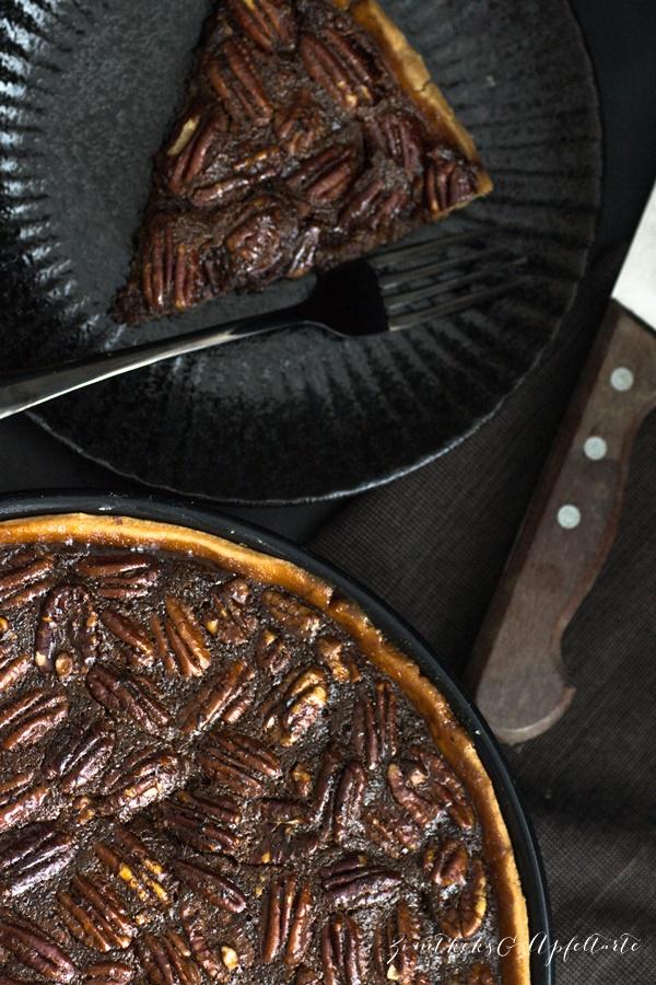 Rezept für Bourbon-Pekan-Pie von ZimtkeksundApfeltarte.com