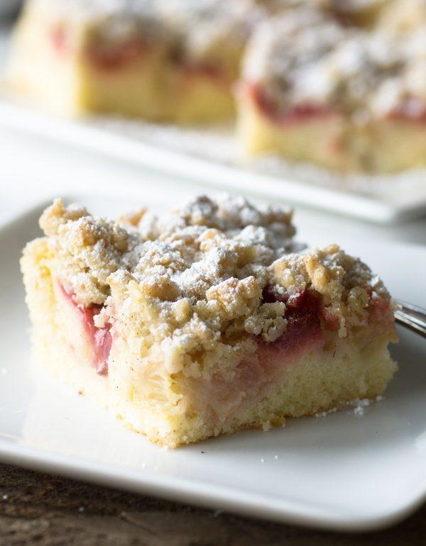 Zitroniger Erdbeer Rhabarber Kuchen Mit Streuseln Zimtkeks Und
