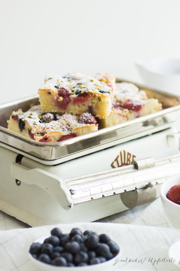 Schneller Sommer-Beerenkuchen