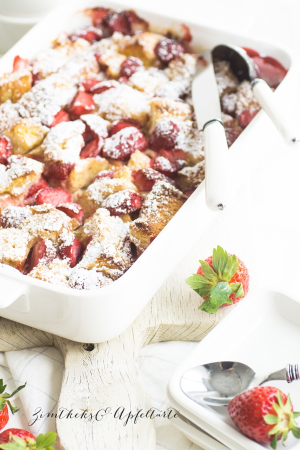 Fruchtiger Erdbeer-French-Toast-Auflauf ganz einfach und schnell