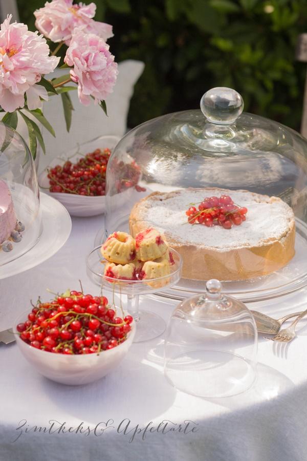 Johannisbeer-Gugl und Träubleskuchen