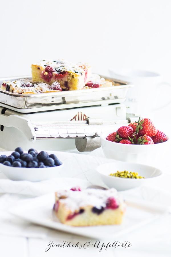 Sommer-Beerenkuchen vom Blech- ZimtkeksundApfeltarte.com