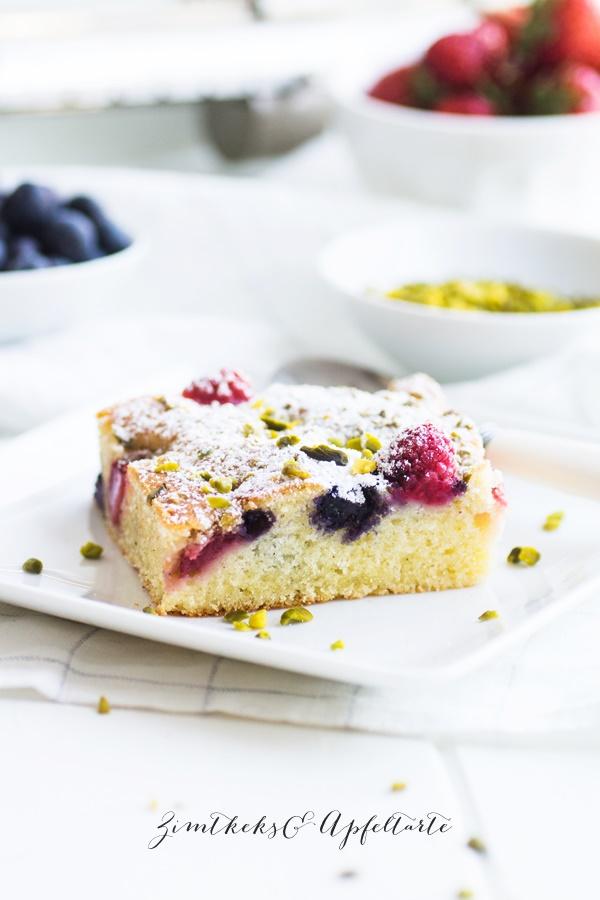 Sommer-Beerenkuchen vom Blech-einfach und schnell backen