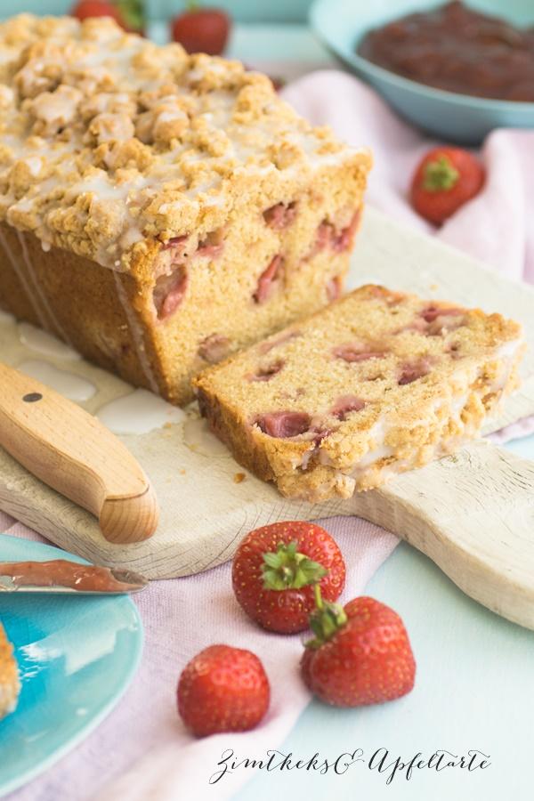 Erdbeer-Streusel-Brot