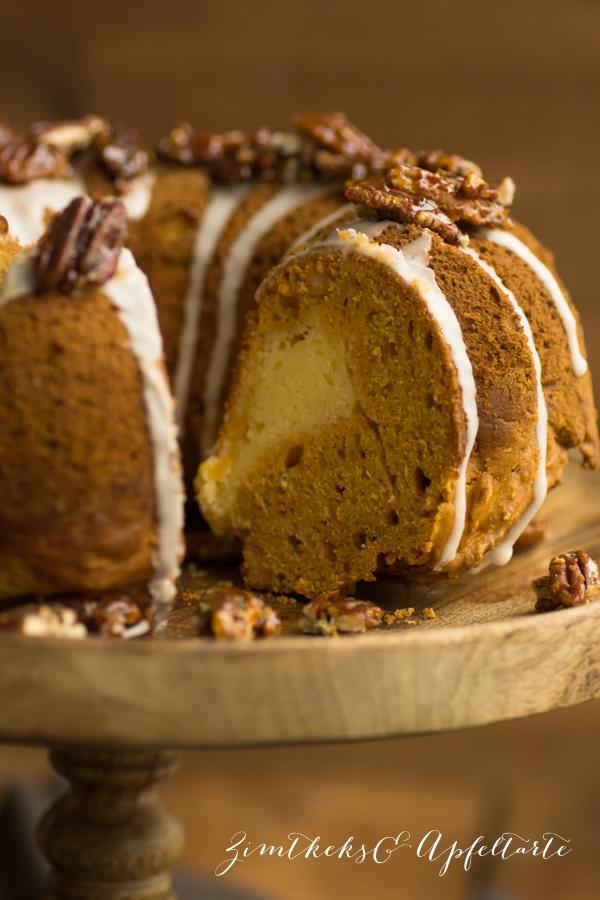saftiger Suesskartoffelkuchen mit Cheesecake-Kern