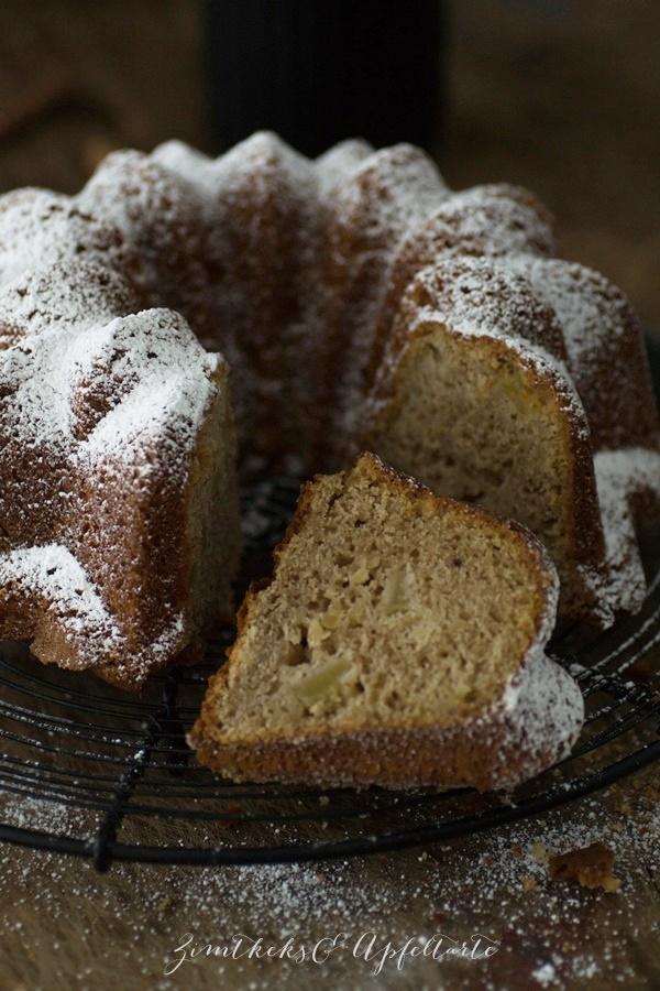 Spekulatius-Gugelhupf mit Apfel - wundervoller Herbst und Winterkuchen - schön würzig