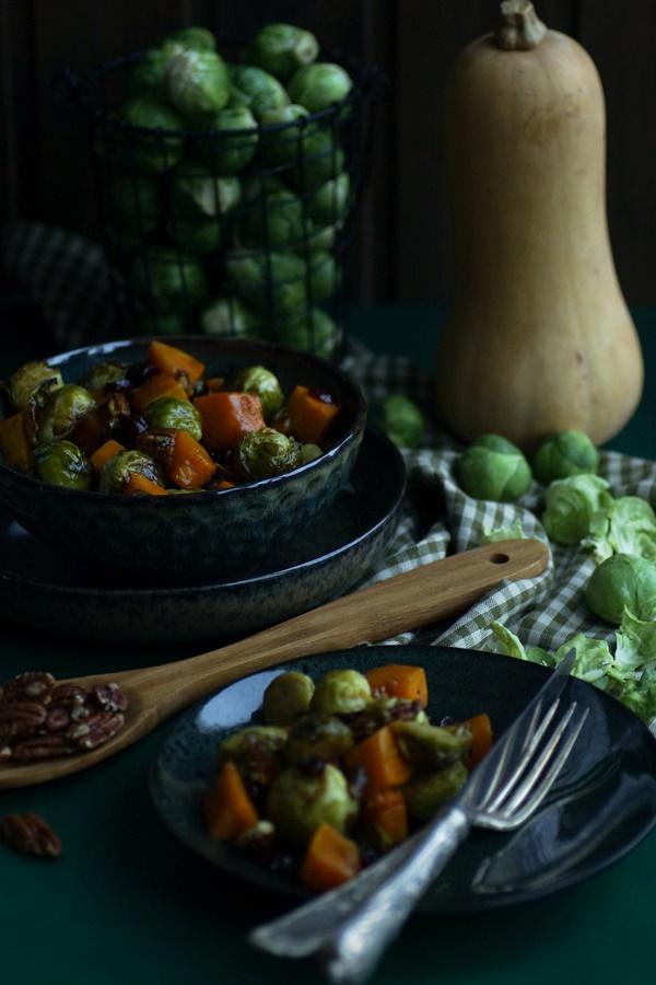 lecker: Rosenkohl-Butternut Salat mit Cranberries