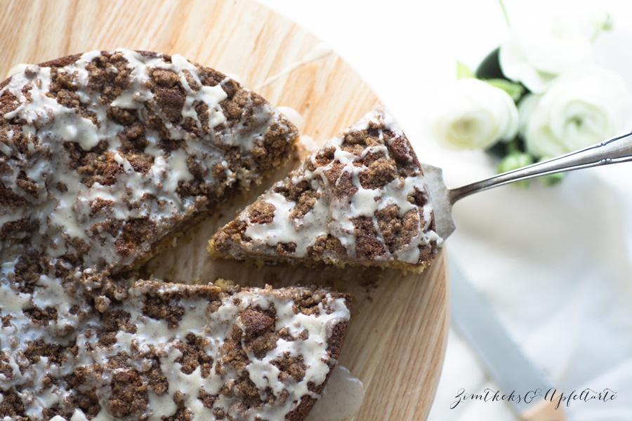 Eierlikör-Kuchen mit Knusperstreuseln - super einfach zu backen
