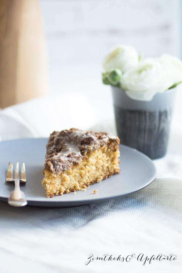 einfaches und schnelles Rezept für Eierlikör-Kuchen mit Knusperstreuseln