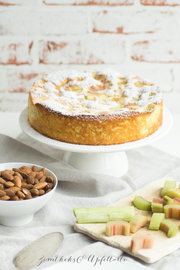 glutenfreier Low Carb Rhabarberkuchen - einfaches Rezept
