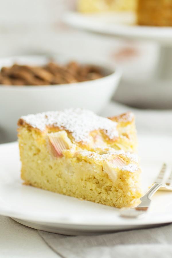 Glutenfreier Low Carb Rhabarberkuchen