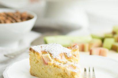 einfaches Rezept für Low Carb Rhabarberkuchen