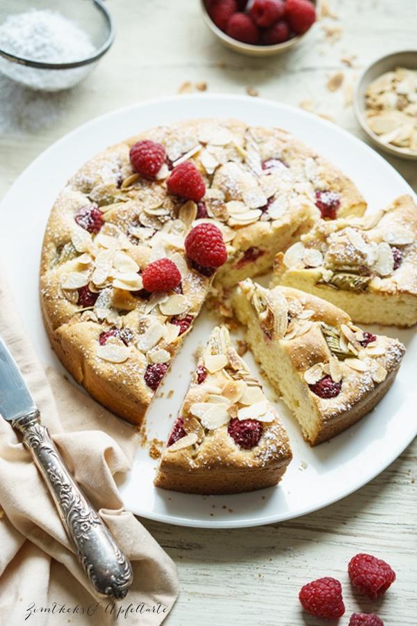 Fruchtiger Rhabarber-Himbeer-Marzipan-Kuchen Gelingsicher und einfach