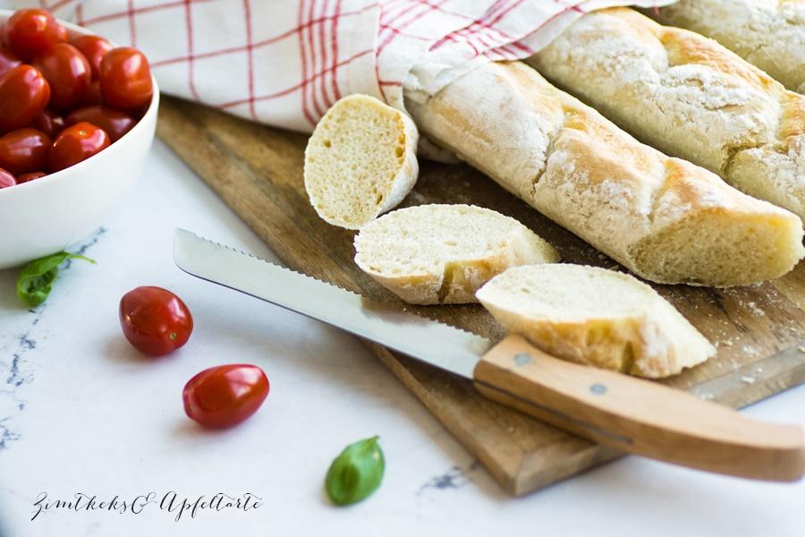 lecker und blitzschnell gebacken: knuspriges Baguette - ZimtkeksundApfeltarte.com