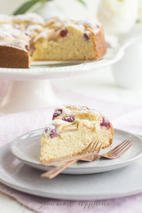 Rhabarber-Himbeer-Marzipan-Kuchen Tolles und einfaches Rezept