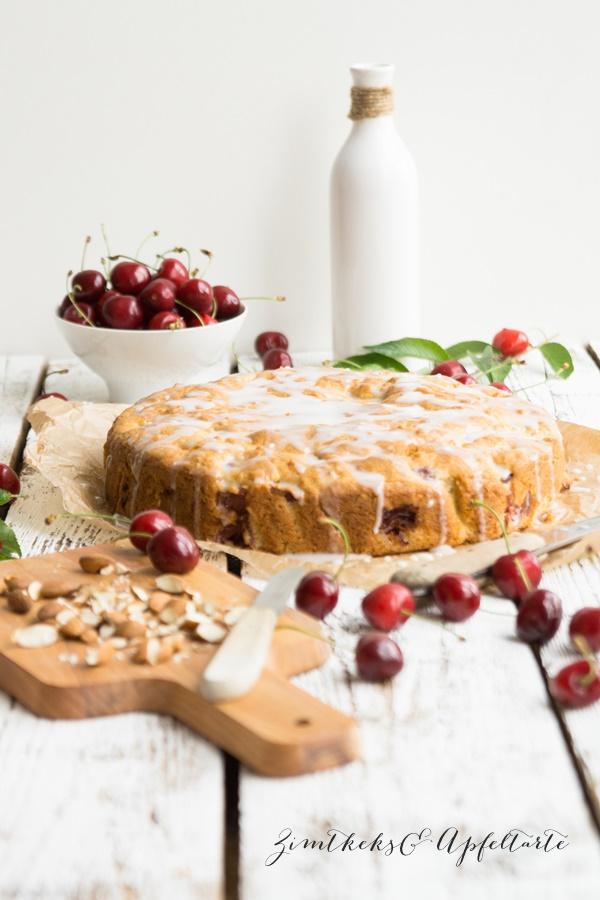 Kirsch-Mandelkuchen mit Mandelguss einfach und schnell