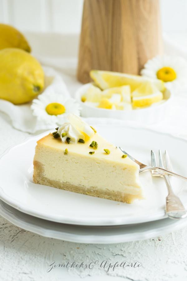 Zitronen-Cheesecake mit weißer Schokolade Rezept von ZimtkeksundApfeltarte.com