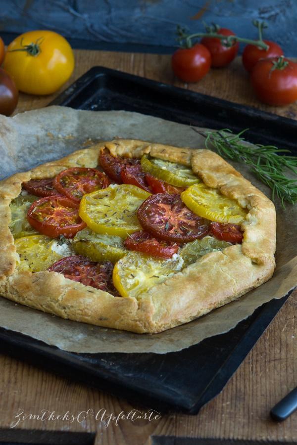 einfach lecker: Heirloom-Tomaten-Galette mit Kräuter-Ricotta