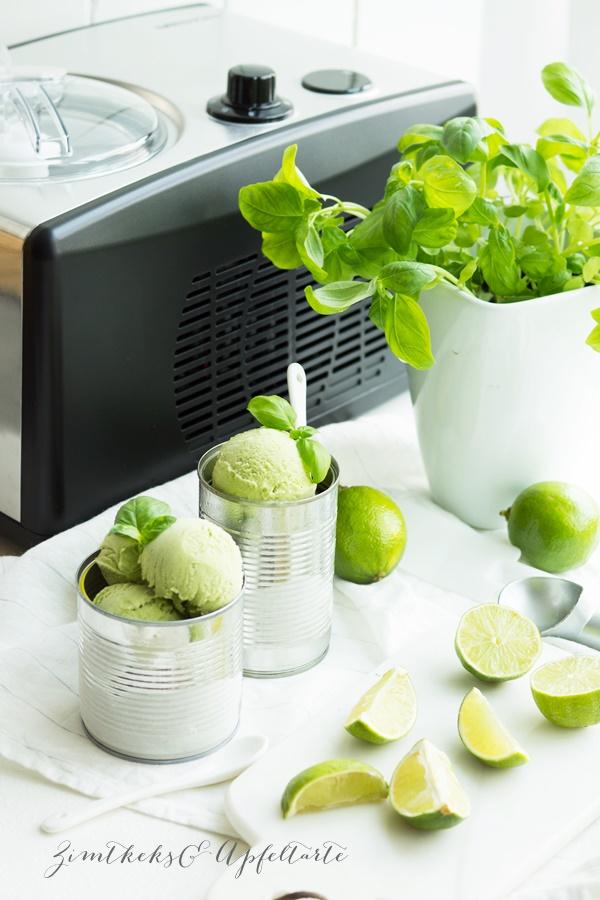 Einfaches Rezept für Basilikum-Limetten-Sahne-Eis