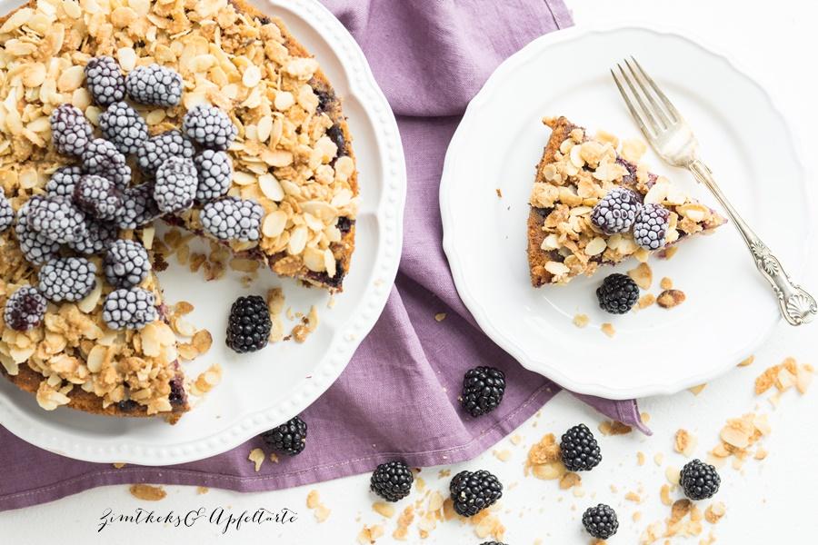 einfach lecker: Brombeer-Upside-Down-Kuchen mit Mandeln