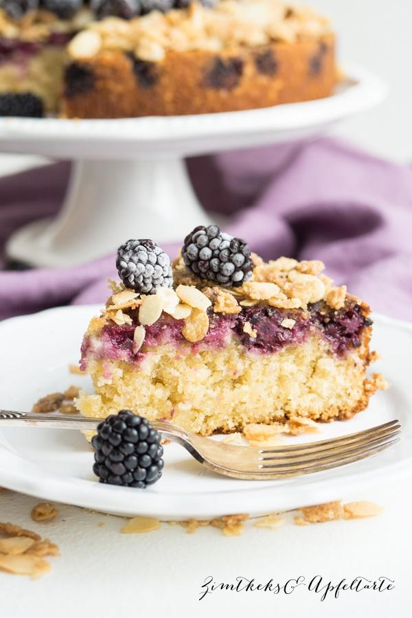 Brombeer-Upside-Down-Kuchen mit Mandeln