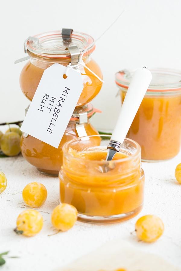 Einfaches Rezept für Mirabellen-Marmelade mit Rum