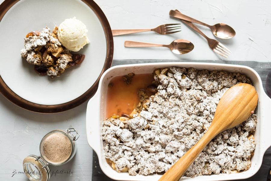 Einfaches Rezept für Herbst-Crumble oder Zwetschgen-Crumble mit Walnüssen