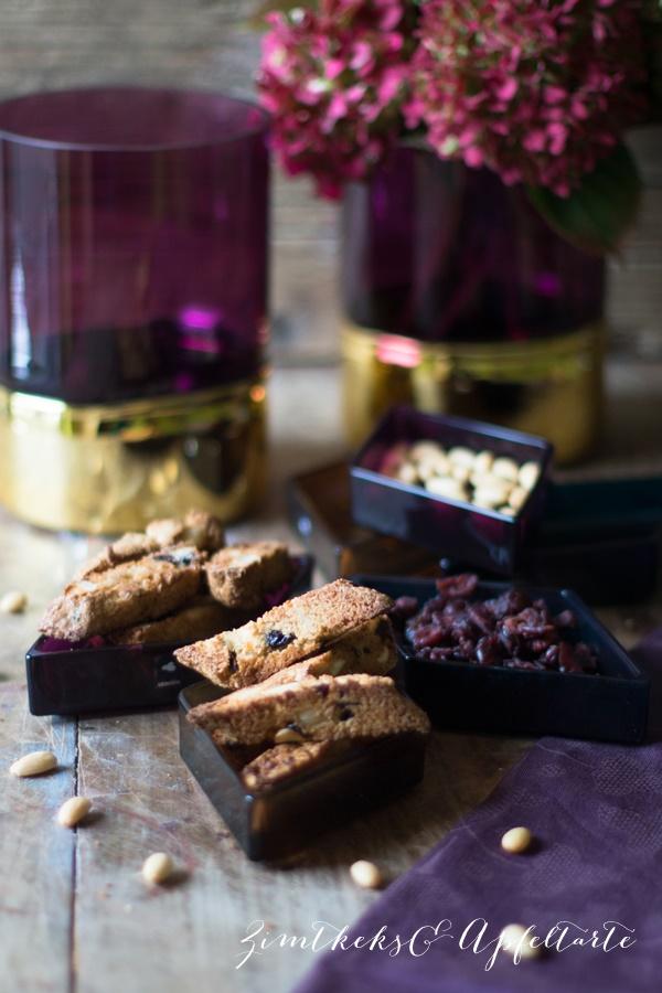 Cantuccini mit Mandeln und Cranberries