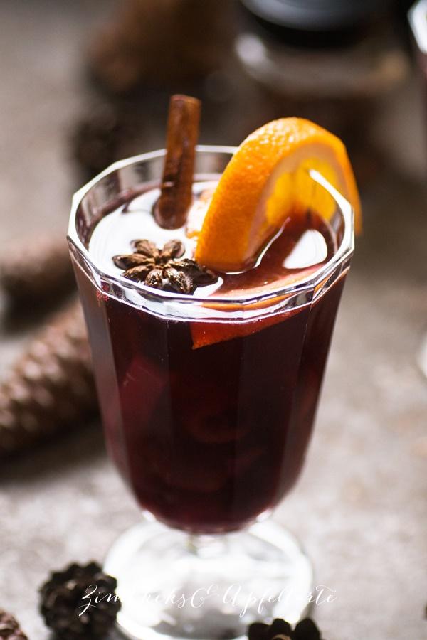 Advents-Bowle mit Früchten - einfaches Rezept