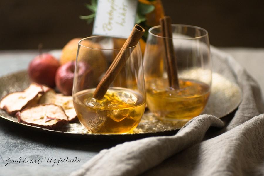 Bratapfel-Likör - Tolles Geschenk aus der Küche - ZimtkeksundApfeltarte.com