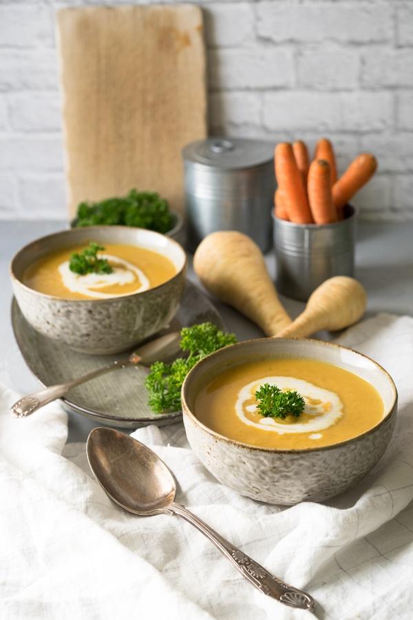 Pastinaken-Möhren-Suppe mit Apfel - einfaches Rezept von ZimtkeksundApfeltarte.com