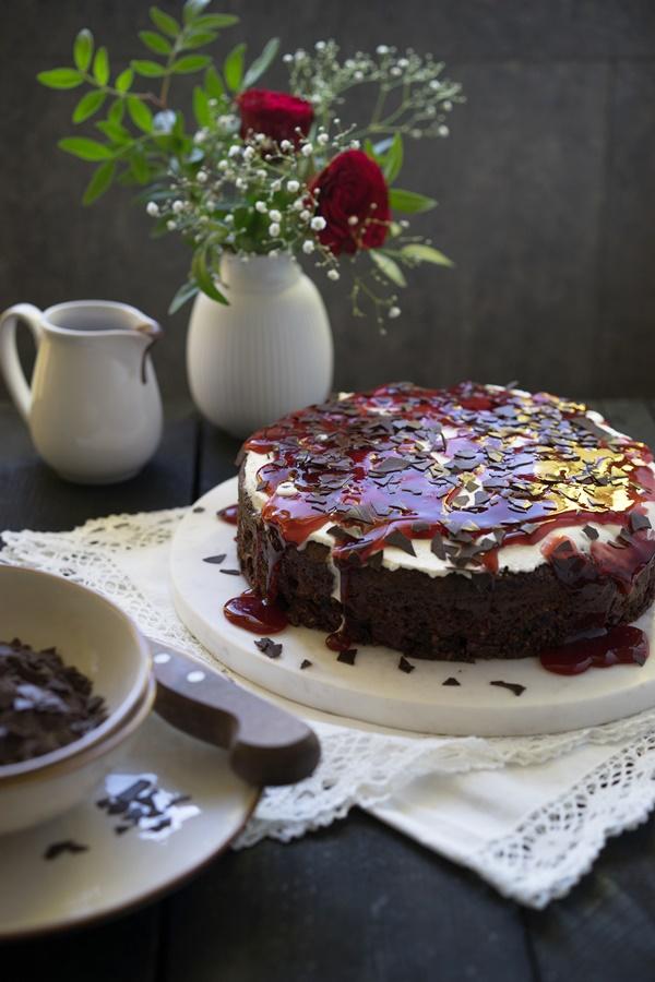 Saftiger Schokoladen-Kirsch-Kuchen im Schwarzwälder-Style