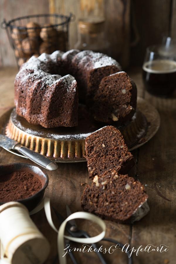 Saftiger Schokoladen-Nusskuchen mit Pastinaken -- zimtkeksundApfaltarte.com